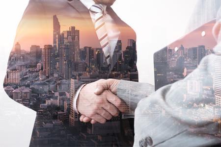 华侨城挂牌转让昆明华侨城24%股权及6126万债权 底价约1.34亿元