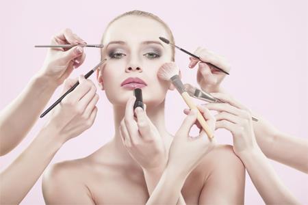 中国化妆品电子商务行业报告:高端市场被国际品牌主导