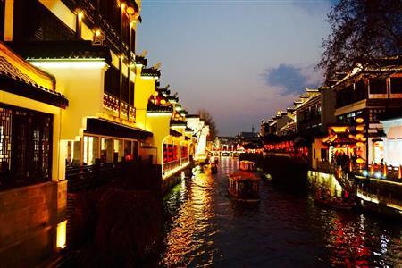 穿越六朝的古都文明与现代商业的情感交融——南京夜经济(上篇)