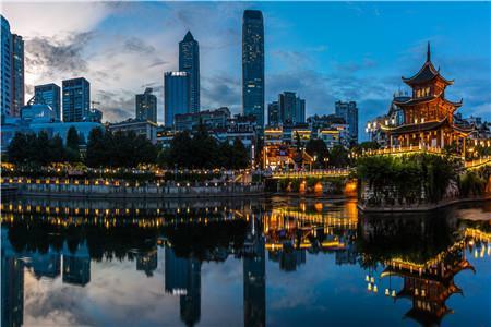 贵阳商圈聚焦—— 南明区:六大商圈的升级重塑与培育转型