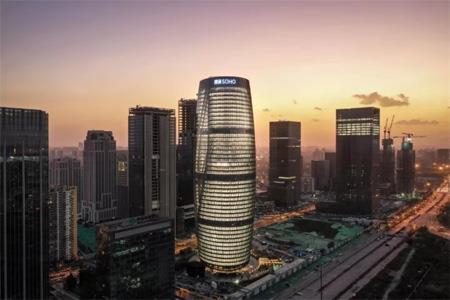 北京丽泽SOHO开幕 潘石屹回应80亿清仓资产传言:以公告为准