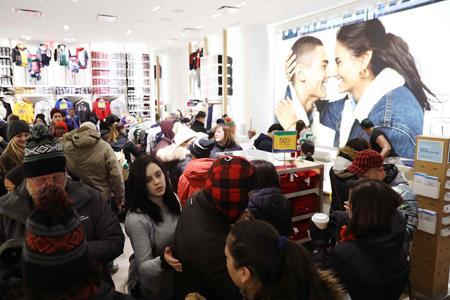 美国购物季将开启 传统零售商面临多重挑战