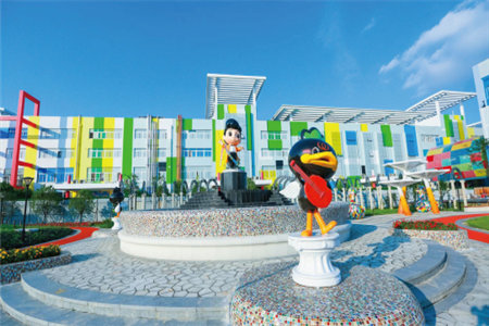 周黑鸭引进迪士尼游乐项目 开放工厂给消费者参观