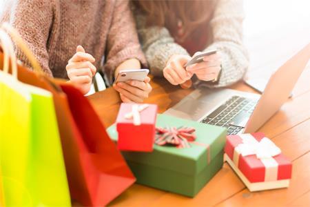 """美国""""黑五""""在线销售额达74亿美元 创下历年消费之最"""