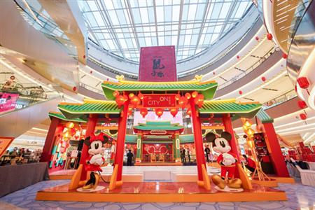 """圣诞美陈过时了,今年圣诞节郑州流行""""玩儿""""展"""