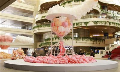 30万只气球空降昆明大悦城 打造城市梦幻空间