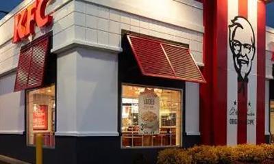 """快餐界的""""戏精"""",不务正业的KFC,一直没闲着"""