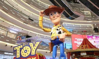 《玩具总动员4》电影主题展 iapm商场暑期独家上演