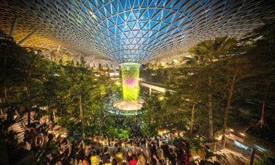 惊艳全球的新加坡星耀樟宜:让机场也能成为旅游目的地