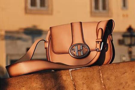 Michael Kors成为线上份额占比最高的奢侈品牌 占比为16.1%