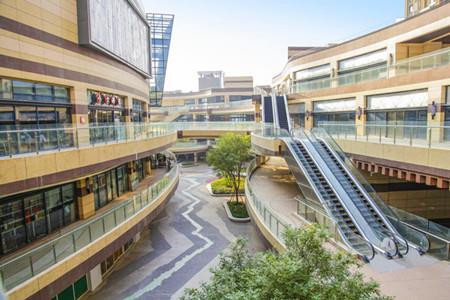 高新地产·水晶新天地电影主题街区将于9月28日璀璨开街