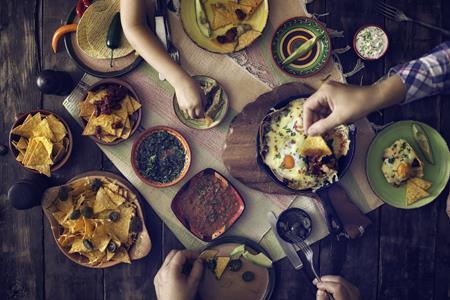 2019年全国餐饮收入达4.7万亿元 同比增长9.4%