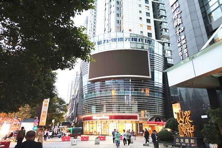 银海元隆广场将扩大商业规模 与1号线北京路站点连通