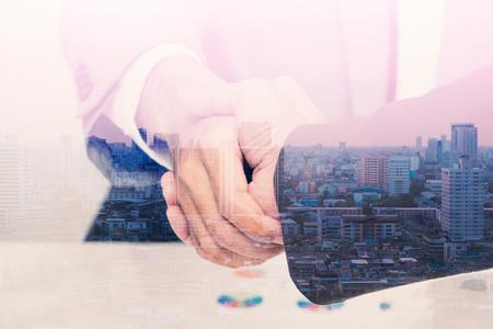首创资金魔术:成立25.36亿合伙企业 收购旗下上海商业项目