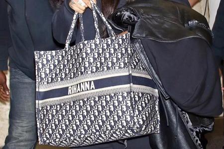 CK新款手袋涉嫌抄袭Dior爆款 双方暂未对消息作出回应