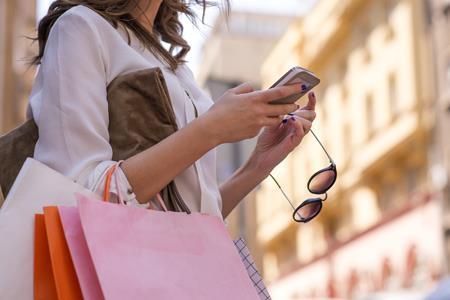 苏宁发布女性消费数据:电热饭盒销量同比增长1958.6%