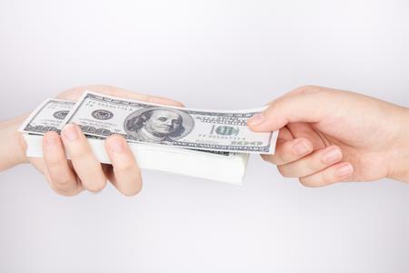 旭辉签订3.82亿美元的美元及港元可转让定期贷款融资