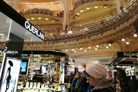 巴黎老佛爷百货、春天百货等或到7月10日才可恢复营业
