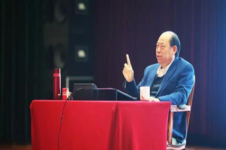 两会报道 碧桂园杨国强三份提案聚焦机器人、农业、教育