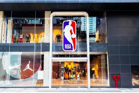 藤原浩的便利店来中国了、Dior全球旗舰店进驻深圳、NBA全球最大旗舰店开业...|品牌周报