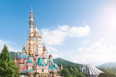 迪士尼将在美国度假村业务裁员2.8万人 约67%是兼职工