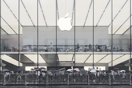 苹果新任硬件工程高级副总裁正式确认 未来有望成为CEO
