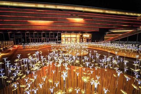 云南五一大数据:旅游收入128.6亿昆明购物中心客流增长23.2%