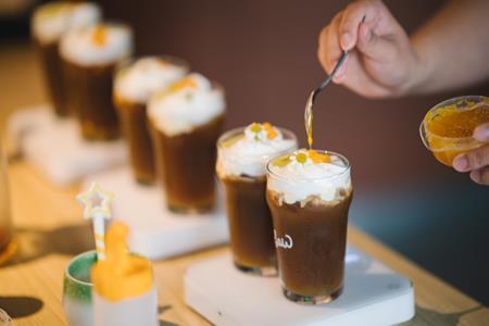 零售一周要闻:品牌商家捐资捐物驰援河南、咖啡品牌M Stand等获融资