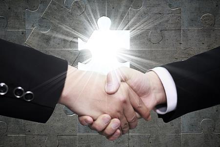 碧桂园服务拟以不超过100亿元收购富力物业