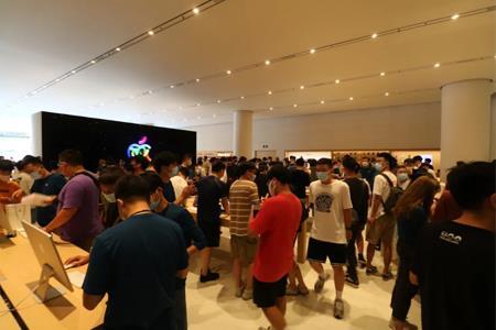 通宵排队、现场挤爆,长沙首家Apple Store开业这么火?